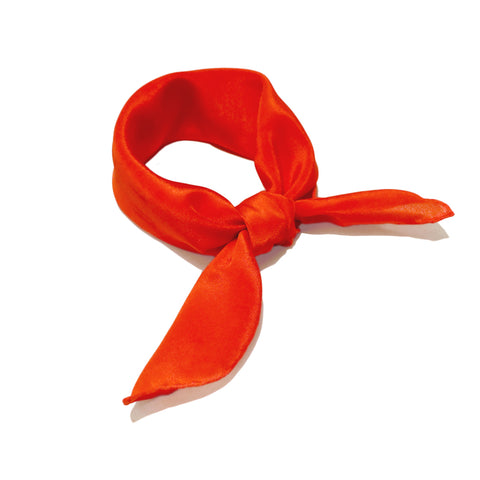 shop-luxury-fashion-red-scarf-style-paris-taipei-tokyo-carre-soie-rouge-foulard-ginza-vogue-harrods-colette-online
