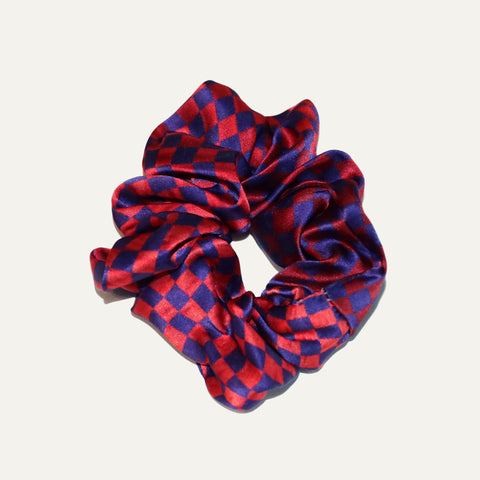 Buy Best Fashion Silk Scrunchies Online, in Paris, Tokyo, or Taipei; available for Selfridges, Le Bon Marché, Dover Street Market, Barneys New York, and Isetan.