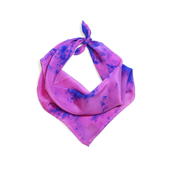 Fuchsia gift silk scarf for women; buy online paris taipei tokyo. スカーフ 通販 女性 プレゼント. 桃紅色精品絲巾.