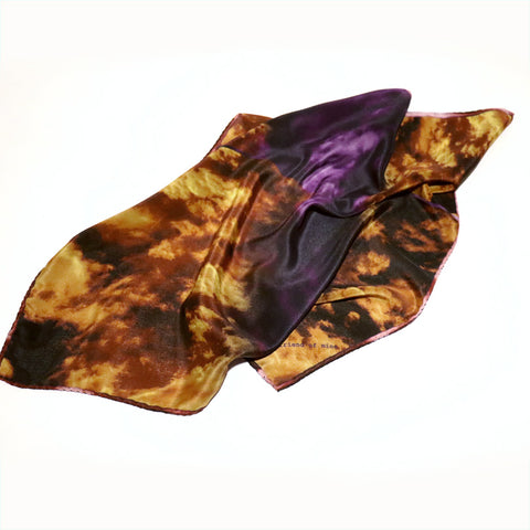 Buy beautiful purple silk scarf styles for women as luxury accessories online, in Paris, Taipei and Tokyo. !