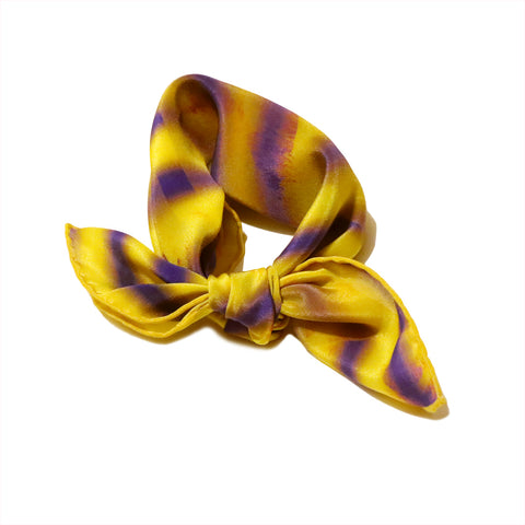 最高の品質と良い価格で美しい高級スカーフを購入する. Buy Beautiful Silk Bandana & Scarf; Cool accessory for women & men vogue, harrods & colette.