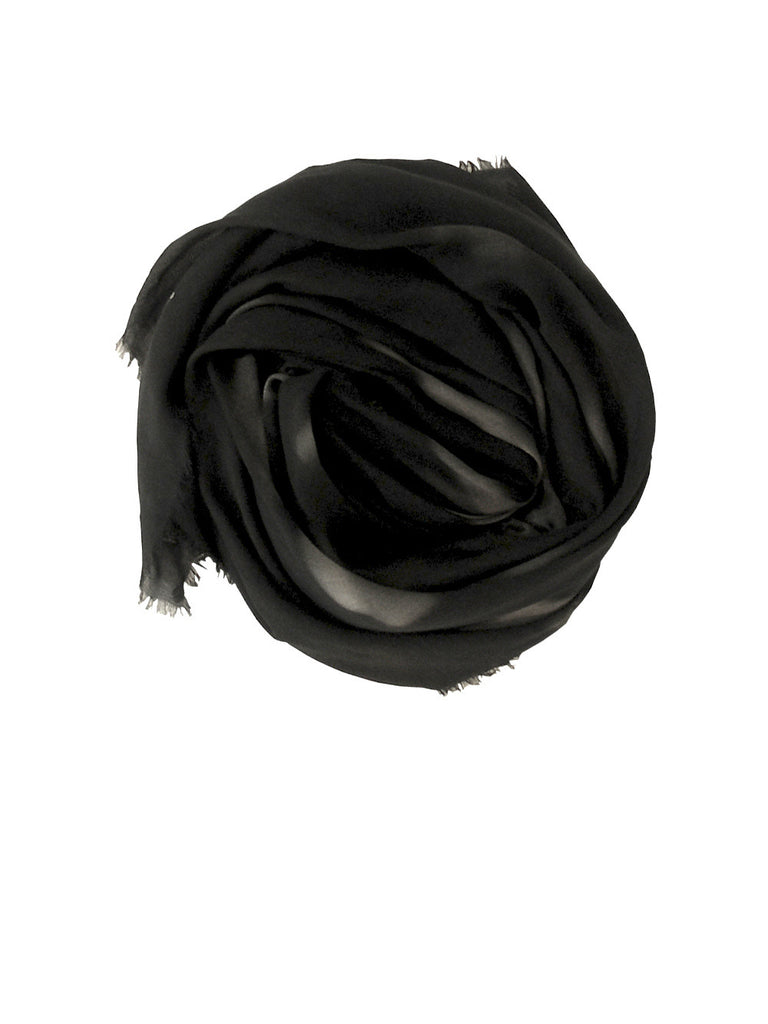 Buy beautiful luxury big black scarves for women & men online, in paris, taipei & tokyo. Great scarf styles as perfect gift. Good as salon champagne !