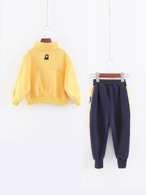 Boys Letter Print Sweatshirt With Zipper Detail Pants