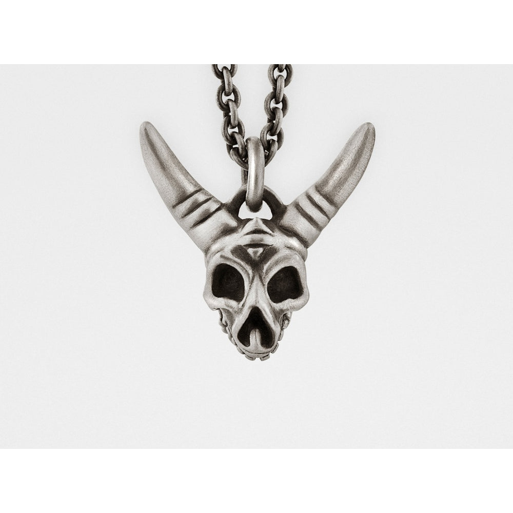Horned Skull Pendant with Hinged Jaw in Sterling Silver - Alluforu