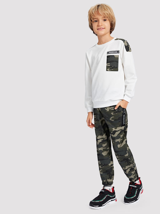Boys Camo Panel Letter Patched Sweatshirt With Pants