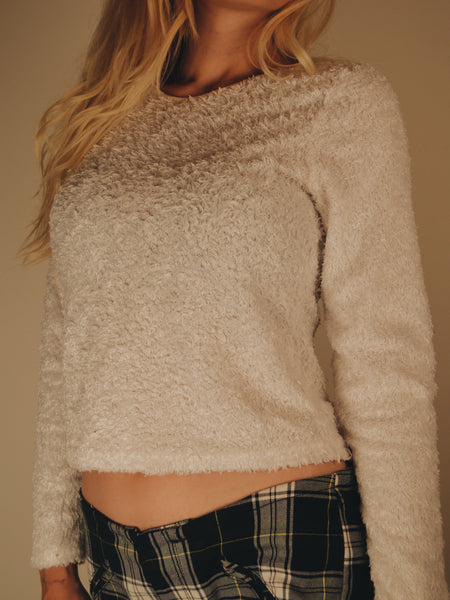 White 90s Fuzzy Sweater (X/S-S)