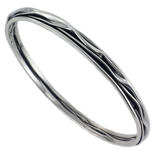 Taxco Crinkled Silver Bangle - Artisan Crafted - Uforia