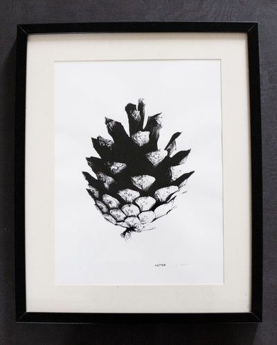 Screenprint Kotten (pinecone) 32 x 46 cm - Blabar
