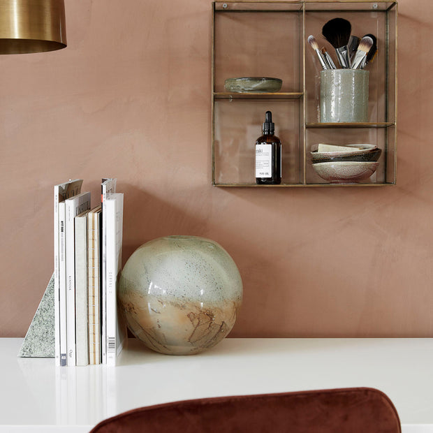 Hanging Display Rack w. shelves, Keeper in Brass