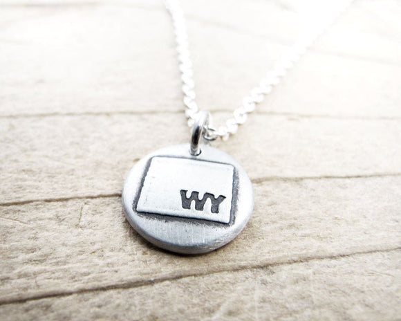 Tiny Wyoming necklace in silver