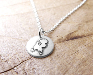 Tiny Netherlands Necklace in Silver