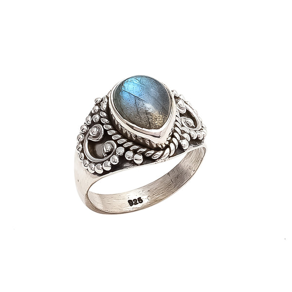 THE BEDOUIN COLLECTIVE - Venus Ring - Labradorite