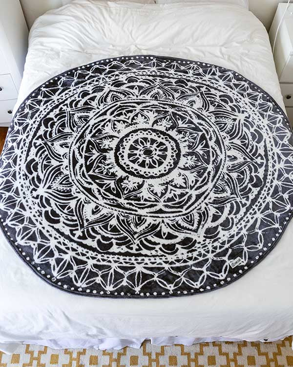 Delilah Black 60-inch Round Throw Blanket