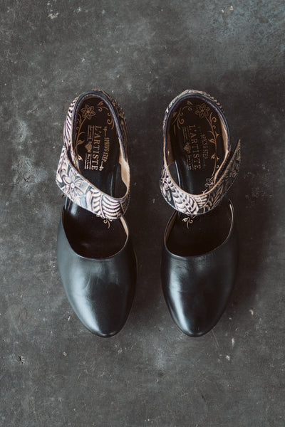 L'Artiste Toolie Mary Jane Slip-Ons in Black