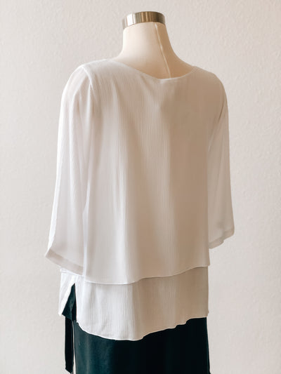Lost River Split Front 3/4 Sleeve Crinkle White Top