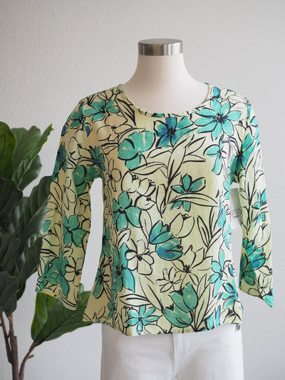 Cut Loose 3/4 Sleeve Split Back Lemon Print Top