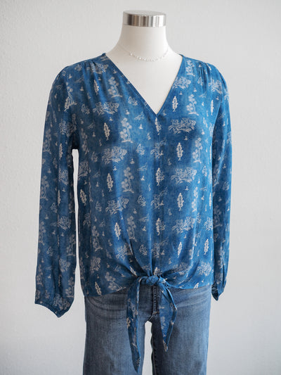 APNY Blue Crepe Mediterranean Print Tie Front Blouse
