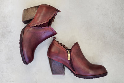 L'Artiste Matona Leather Bordeaux Red Bootie