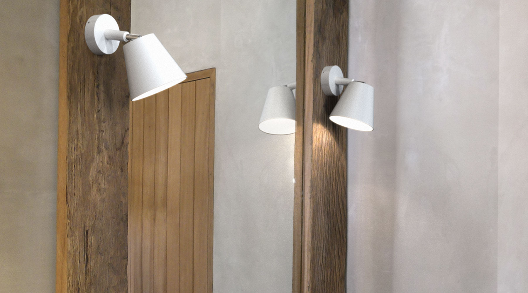 Midi Shade Bathroom Wall Lamp