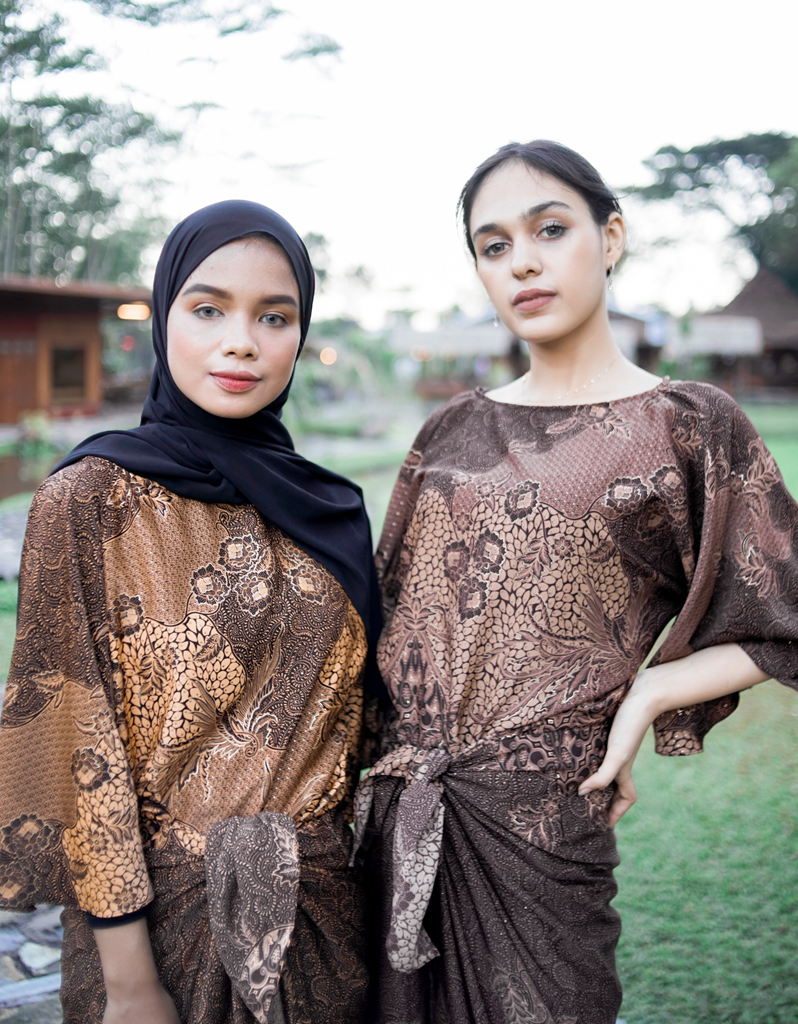 Putri Kaftan Batik Wrap in Yellow Gold