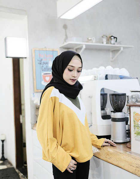 Batwing V-Colored Top in Mustard