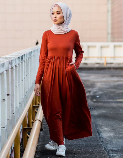 Casual Pleated Maxi in Rust