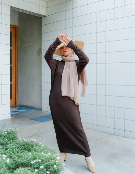Soft Knitted Maxi Dress in Chocolate
