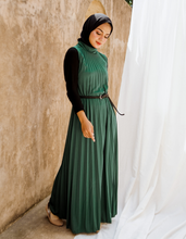 Load image into Gallery viewer, Sleeveless Pleated Maxi Dress in Forest Green
