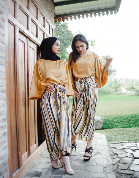 Hana Kaftan Wrap in Gold