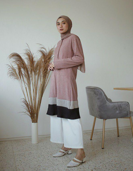 Mix Pleated Tunic in Dusty Pink