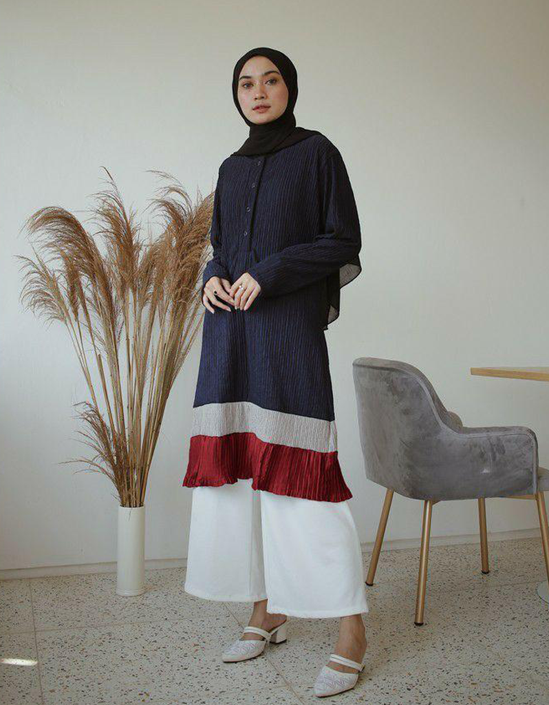 Mix Pleated Tunic in Navy