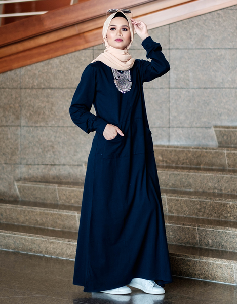 Sweatshirt Maxi Dress in Navy