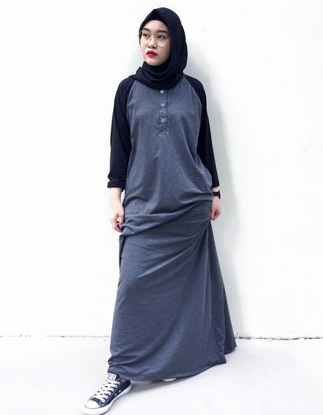 Raglan Maxi in Dark Grey/Black