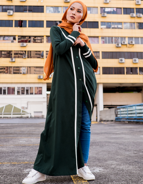 Varsity Abaya in Hunter Green