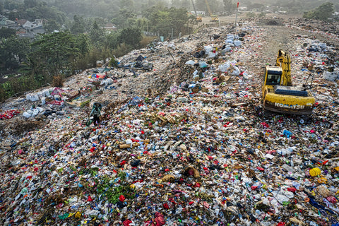 Avoid single-use items that end up in landfills