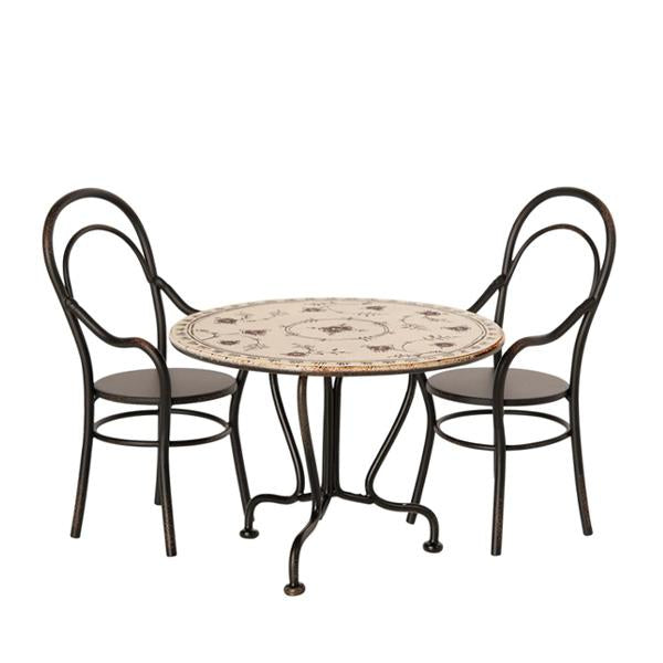 Table with Chairs - Belle De Provence