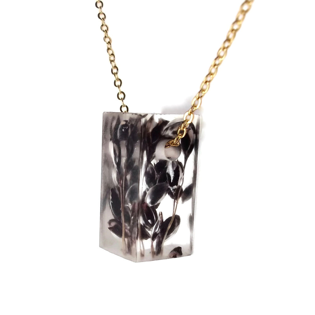 Bar Necklace with Black Sorghum