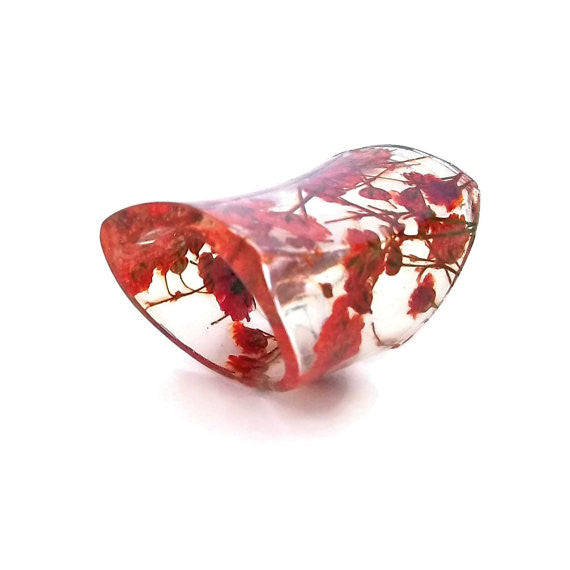 Wide Resin Ring with Red Baby's Breath