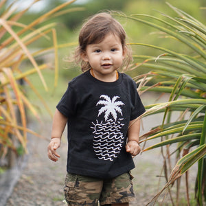"Black ""Wavy Pineapple"" Tee"