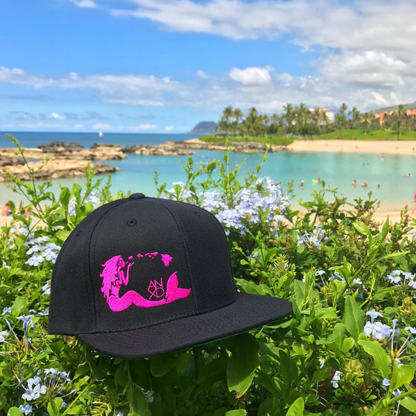 Mermaid Snapback - Black/Pink