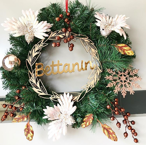 Arlo & Co Christmas Family Wreath