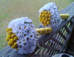 Silk Mini Daisy with Natural Preserved Billy Buttons Wedding Bouquet