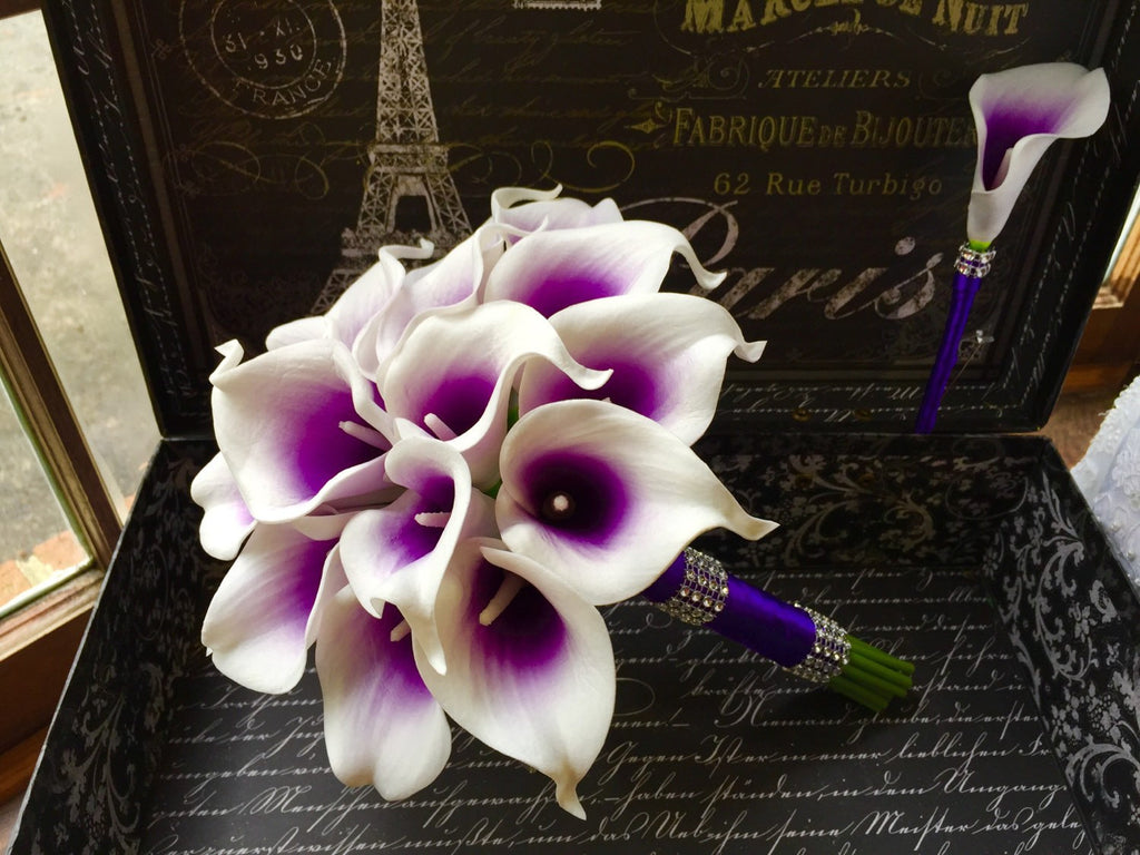 White Purple Center Calla Lily Wedding Bouquet with Boutonniere, Real Touch Purple White Bouquet, Calla Lily Bouquet Purple Bridesmaid