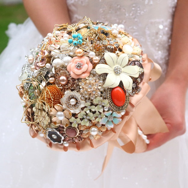 Golden vintage brooch bouquet  Handmade jewelry crystal Gold Bride 's Bouquet Customizable Wedding bouquets Fashion personality - Silk Flowers By Jean