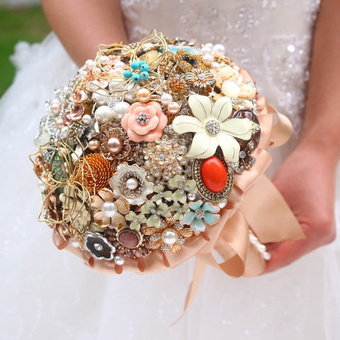 Golden vintage brooch bouquet  Handmade jewelry crystal Gold Bride 's Bouquet Customizable Wedding bouquets Fashion personality