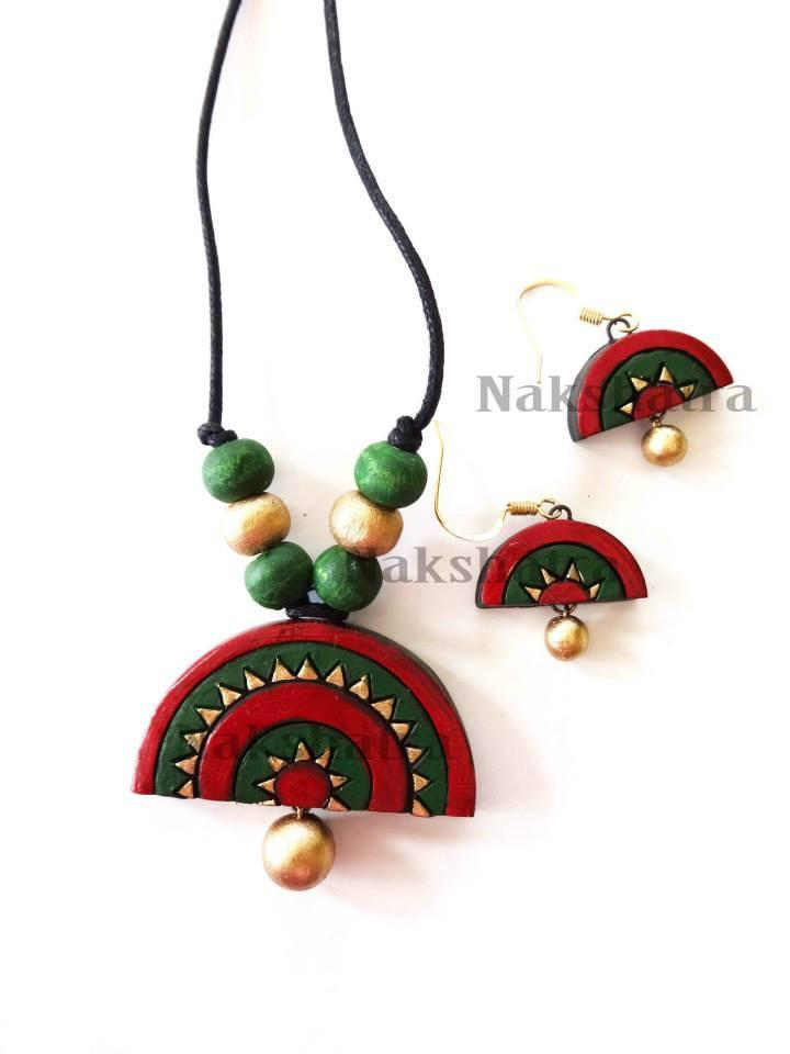 Green & Red Colour Terracotta Necklace Set