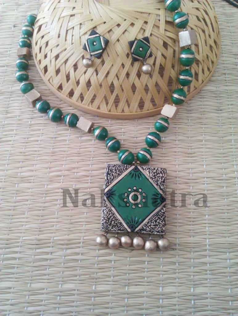 Green And Gold Color Terracotta Necklace Set