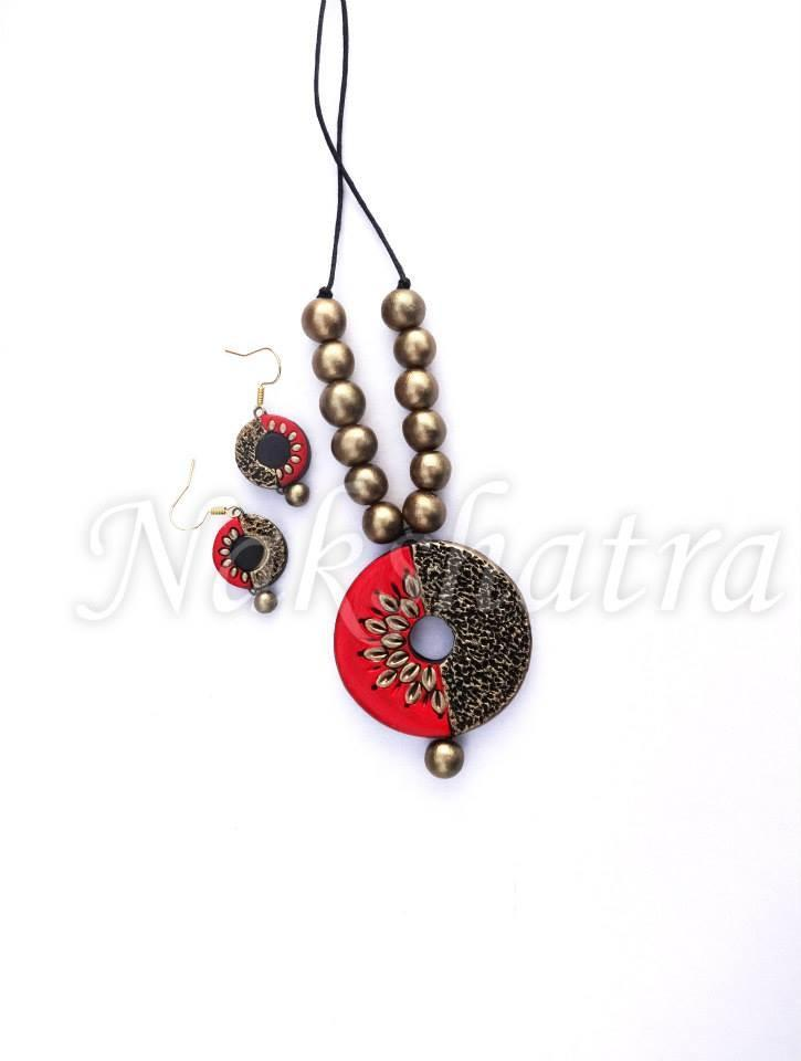 Red & Black Terracotta Necklace Set