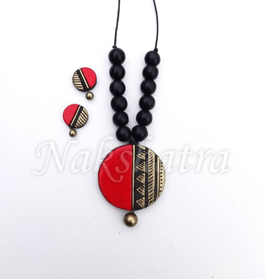 Red And Black Colour Terracotta Necklace Set