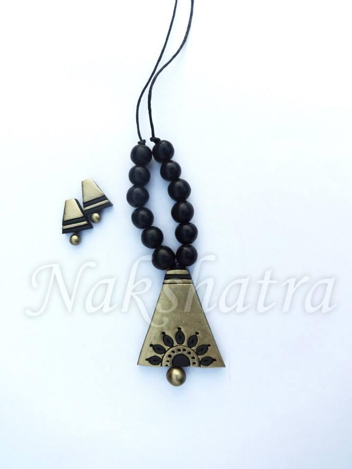 Black & Gold Terracotta Necklace Set